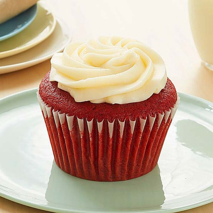 Red Velvet Cupcake w/ Vanilla Buttercream Icing